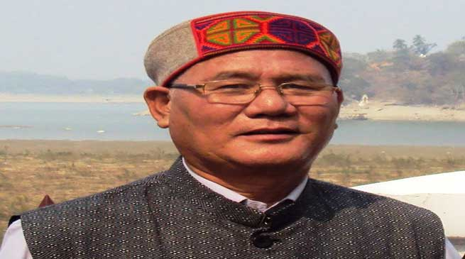 Khandu congratulates eminent writer Yeshi Dorjee Thongchi