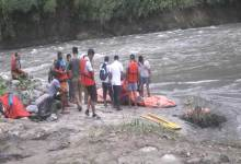 Photo of Two labourers of HCC drowned in Pare river, 1 body recovered, search to continue