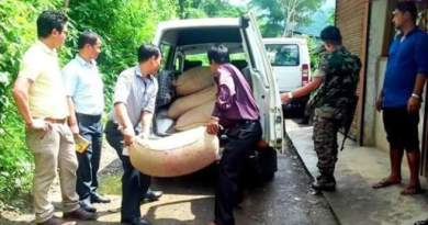 Dist Admin seizes huge quantity of IMFL and PDS rice