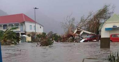 HurricaneIrmaleft 10 dead, smashed buildings