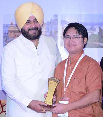Arunachal bags National Leadership Award in best Tourism initiative in Northeast