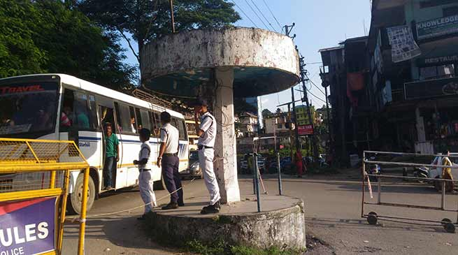 Is Traffic Police waiting for a mishap at Bank Tinali