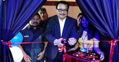Chowna Mein inaugurates Arunachal Idol