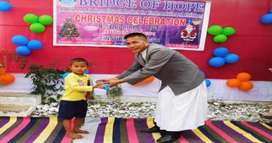 """Bridge of Hope"" celebrates advent Christmas"
