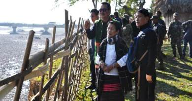 Arunachal- Chowna Mein inspects flood protection work at Bomjir