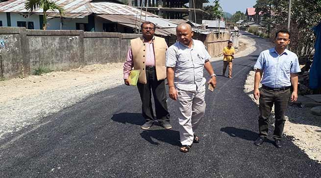 Itanagar : Carpeting of Jully-Ganga Market road on a war footing