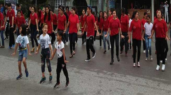 Arunachal:  Denizens of Roing perform in a flash mob to spread awareness regarding 'Swachh bharat'