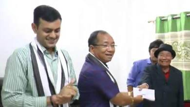 Photo of Itanagar: Kaso distributes cheques to thunderstorm's victims