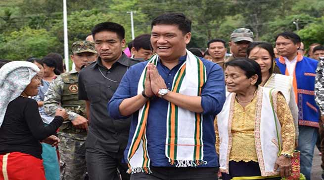 Arunachal: Khandu inspects flood protection site at Patsing