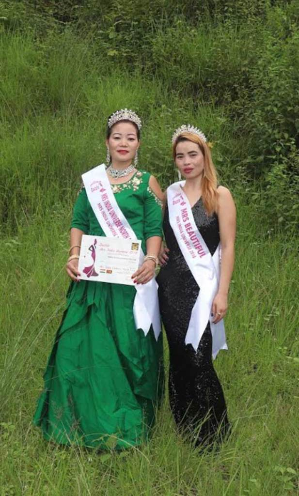 Dazzle Mrs India Universe-2018 : Teli Melum Camdir and Taw Anjali Licha from Arunachal wins titles