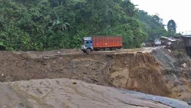 Photo of Arunachal: Massive landslide disrupts traffic between Itanagar-Naharlagun