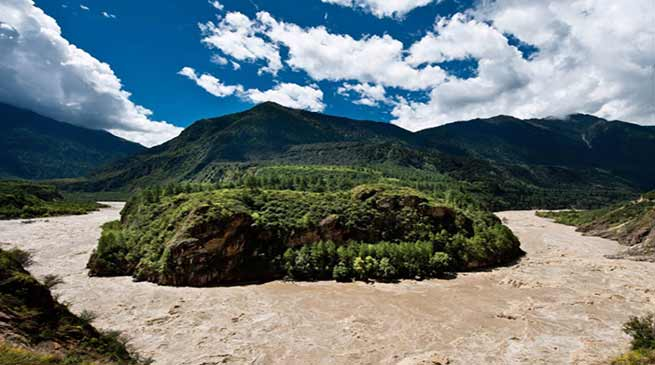Arunachal: Tsangpo River swells, water in Siang rising