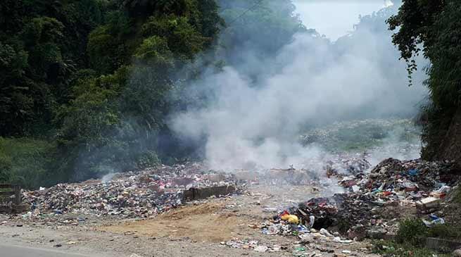 Arunachal: Locals demanding shifting of garbage dumping ground from roadside