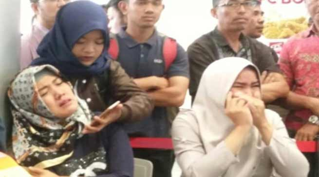 Indonesia airlines flight, Lion Air crashes into sea