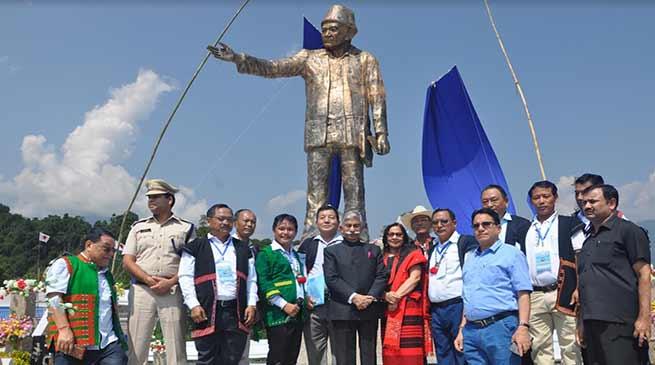 Arunachal : Governor unveiled statue of Golgi Bote Late Talom Rukbo