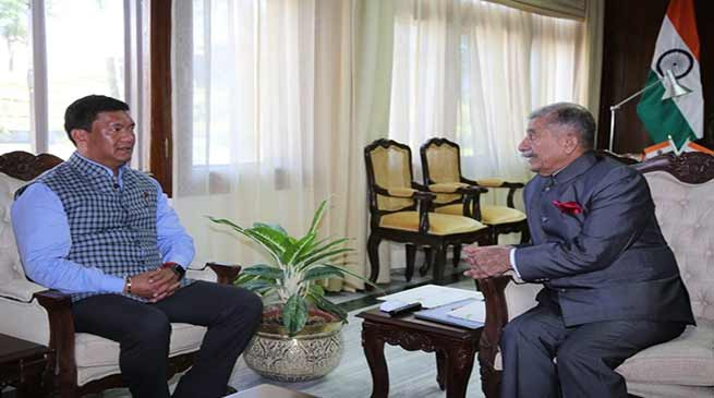 Arunachal Chief Minister calls on the Governor
