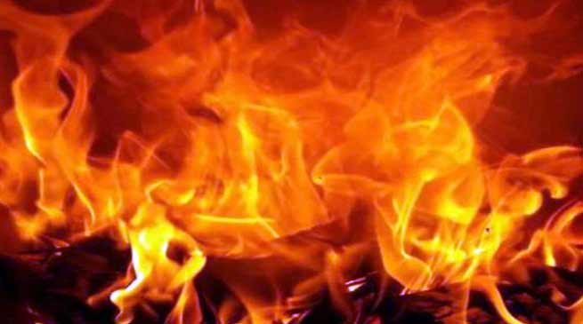 Arunachal: Fire renders poor family homeless in Huto village