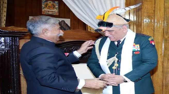 Itanagar :  Chief of Army Staff calls on the Governor