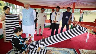 Photo of Arunachal: PM Modi interact with loin loom weavers