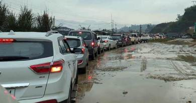 Assam: Pathetic road condition created massive traffic jam