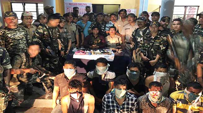 Arunachal: Police foil Bank robbery attempt in Roing, nab 8 robbers with arms
