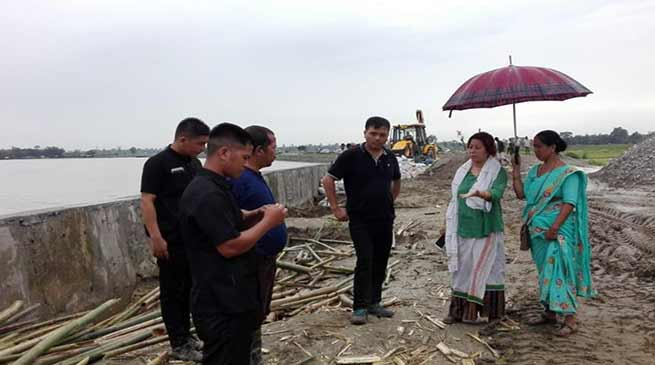 Arunachal: Jummum ete Deori visits flood affected areas of Lekang Circle