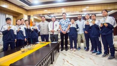 Photo of Arunachal: Khandu congratulates state Wushu team for winning 8 Gold, 6 Silver,2 Bronze