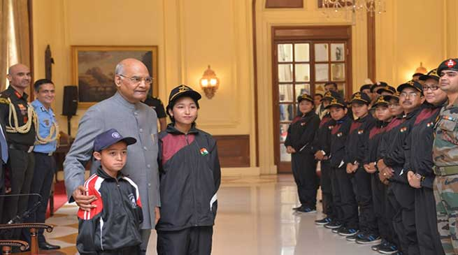 Students from Manipur meet the President Ramnath Kovind