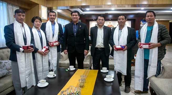 Arunachal: Taekwondo players Rupa and Gangphung meet CM Pema Khandu