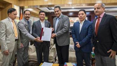Photo of Arunachal CM hands over Petroleum Exploration Licenses to Vedanta Ltd