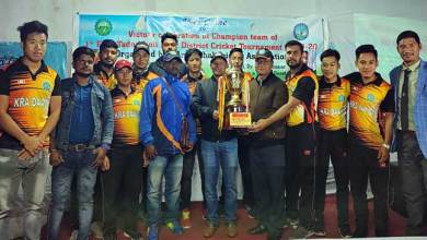 Photo of Kra Daadi Cricket Team felicitated by CAoKDD