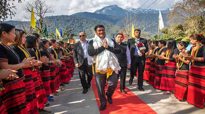 Arunachal: Pema Khandu visits Tuting along with MP and MLAs