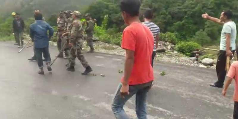 Arunachal: Scuffle reported between army and civilian at road blockade in Jameri