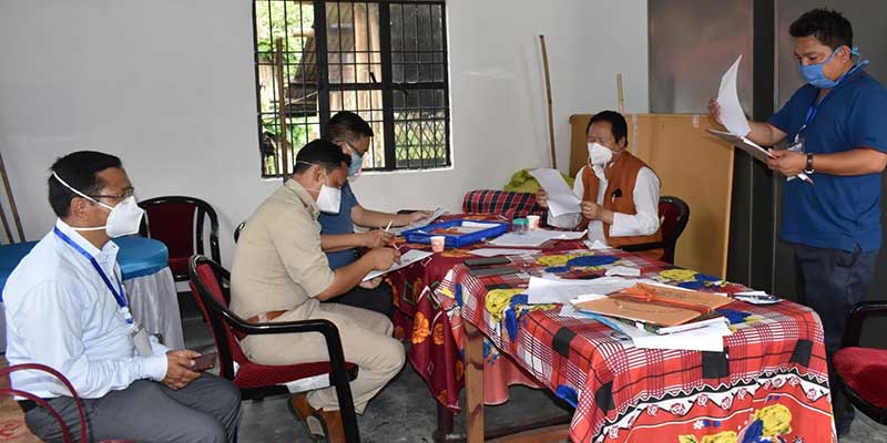 Arunachal: Tana Hali Tara visited PTC quarantine centre, motivated the frontline workers.