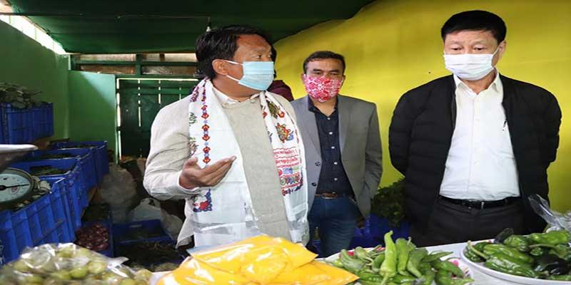 Arunachal: Tawang MLA Tsering Tashi inaugurates sales counter of Agriculture produce