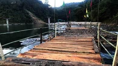 Arunachal: Students with locals constructed log bridge over river Papum