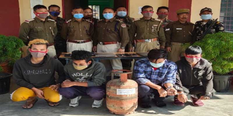 Arunachal:4 burglars nabbed with mobile phones, camera, laptop and gas cylinder