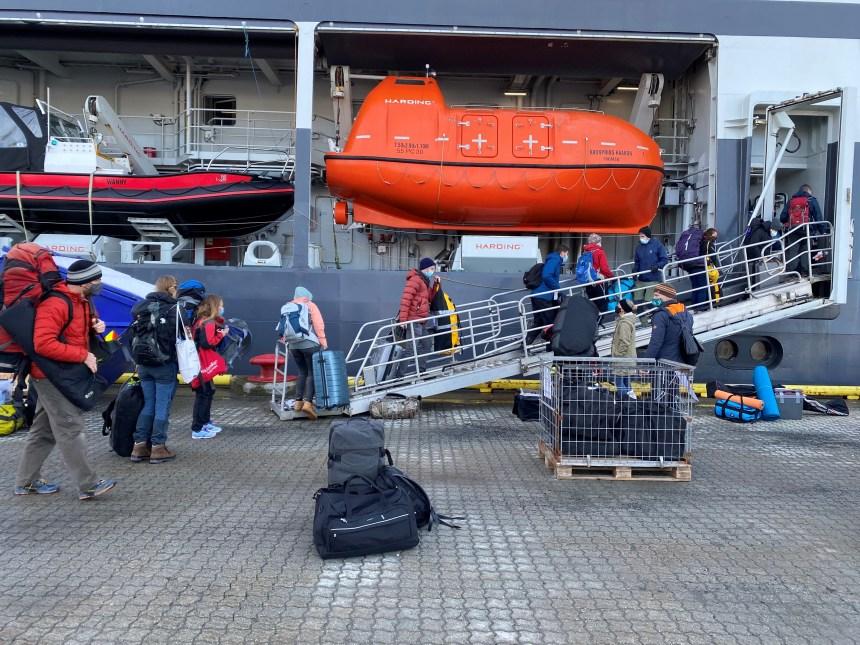 36 forskere på vei om bord FF Kronprins Haakon