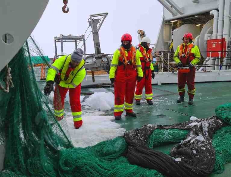 Trawling at 85 d N Bluhm