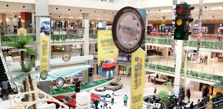 Karachi shopping mall sealed