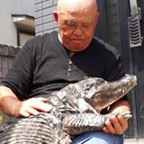 Man lives with pet alligator for 34 years!