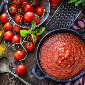 Read more about the article Whole Family Making Natural and Delicious Tomato Paste