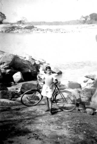ড° দিলীপ কুমাৰ দত্ত। ১৯৪৮ চনত।