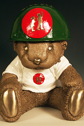 For the NUCOR Children's Charity Classic, Craig Wedderspoon made a model of the hospital's stuffed lion with a NUCOR hard hat.