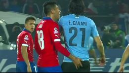 Jara provocó a Cavani como hizo en su día con Luis Suárez
