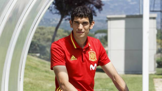 Jesús Vallejo posa en una entrevista para AS.