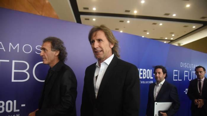 El exjugador argentino, Óscar Ruggeri.