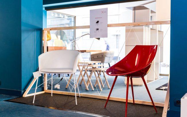 Xpo44 witte en rode stoel