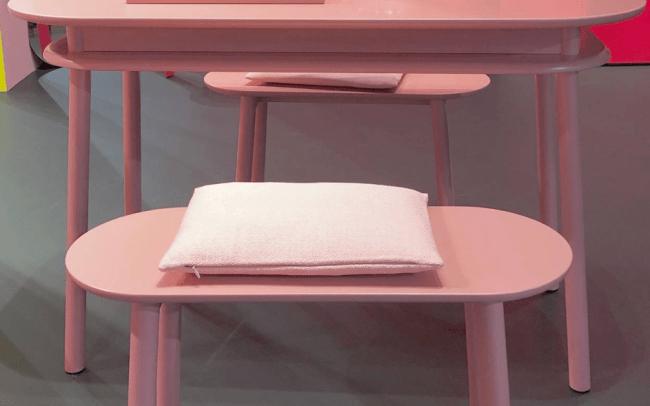 Interieurtrends Roze tafel en stoelen