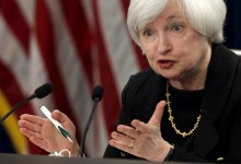 Photo of Global economy worries prompt Fed to hold rates